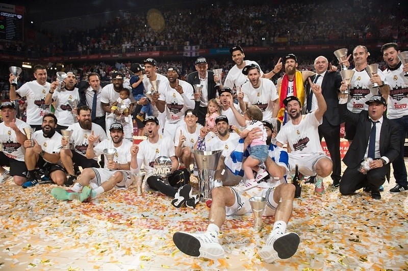 The new Euroleague champions from Real Madrid celebrate!
