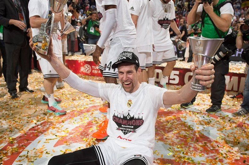The MVP of the Final Four, Andres Nocioni of Real Madrid, with his trophies!