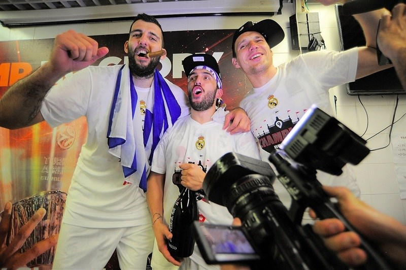Ioannis Bourousis, Facundo Campazzo and Jonas Maciulis celebrate.