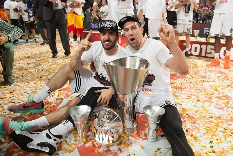 Facundo Campazzo and Andres Nocioni celebrate - Real Madrid champ Euroleague 2014-15 - Final Four Madrid 2015 - EB14