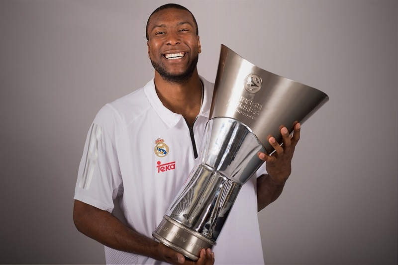Marcus Slaughter - Trophy champ photo shoot - Final Four Madrid 2015 - EB14