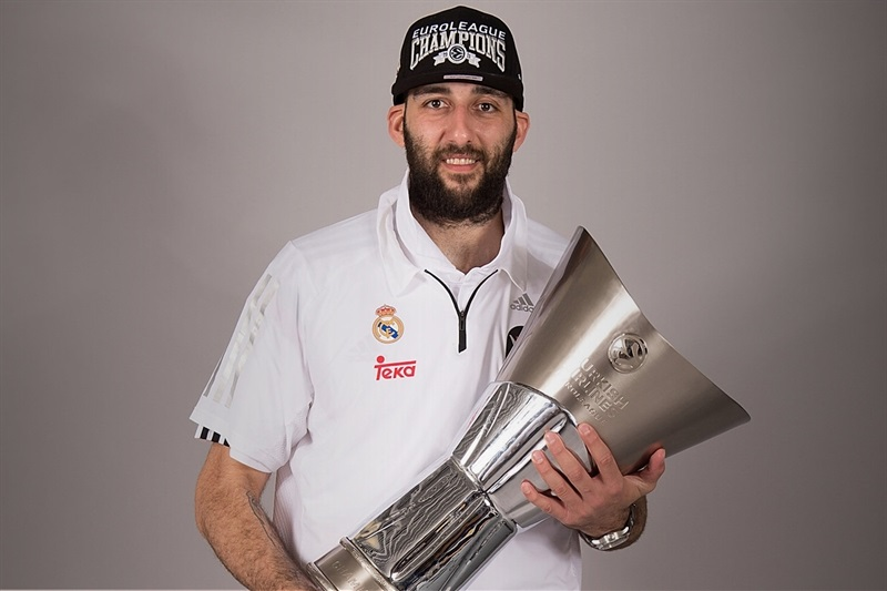 Ioannis Bourousis - Trophy champ photo shoot - Final Four Madrid 2015 - EB14