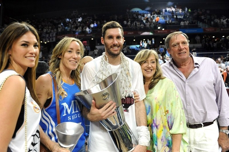 Rudy Fernandez - celebration family - Final Four Madrid 2015 - EB14
