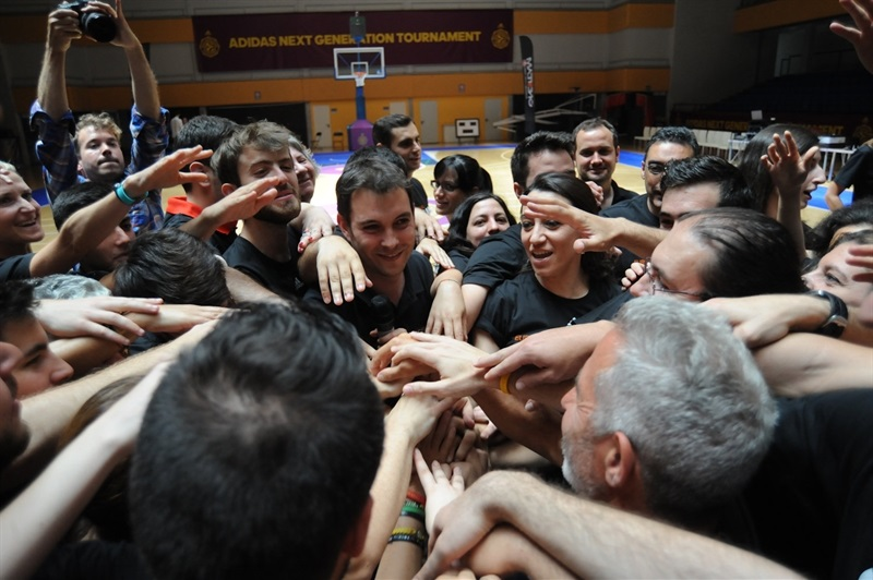 One Team introduction session for Final Four volunteers in Magariños - Final Four Madrid 2015 - EB14g