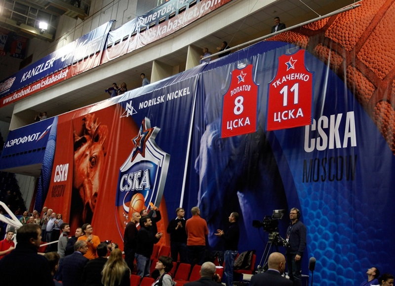 Playing legends Vladimir Tkachenko and Andrey Lopatov had their jerseys retired Thursday by CSKA Moscow - EB14