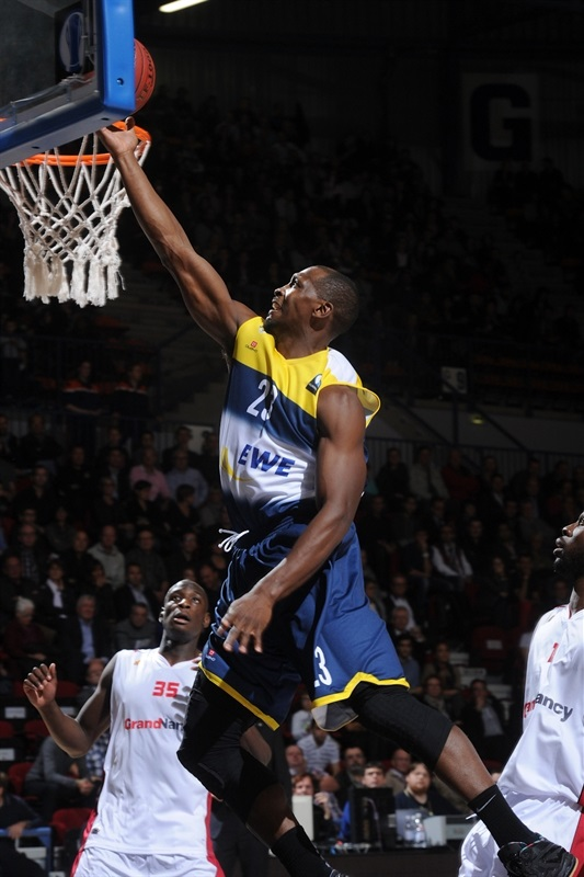 Rickey Paulding2 - EWE Baskets - EC14 (photo SLUC Nancy)