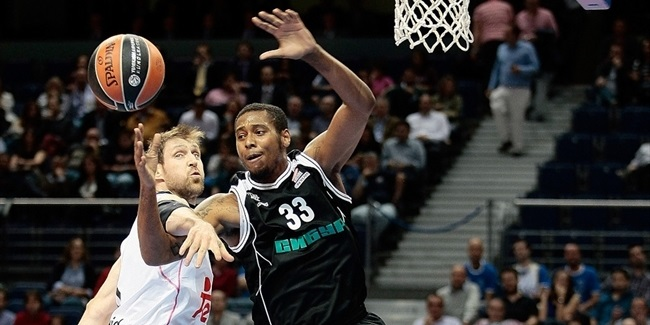 Real Madrid lands big man Thompkins