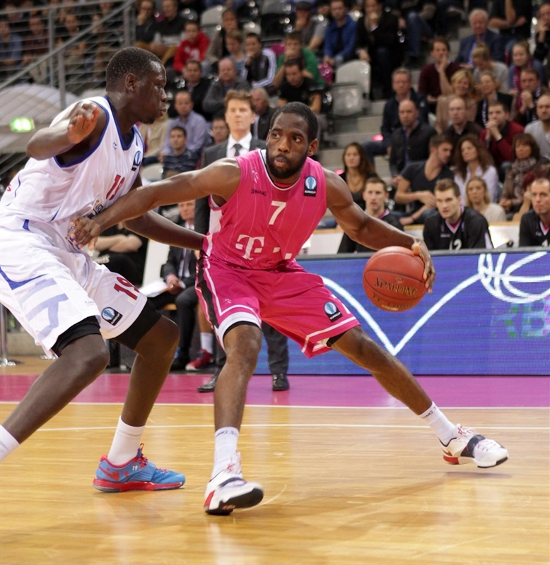 Ryan Brooks - Telekom Baskets Bonn - EC14 (photo Jörn Wolter - Telekom Baskets Bonn)
