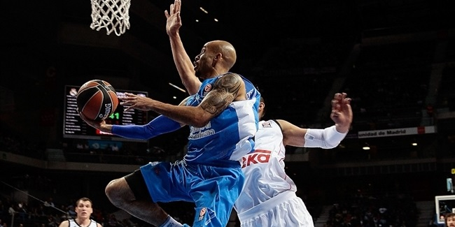 Dinamo Sassari brings Logan back for another season