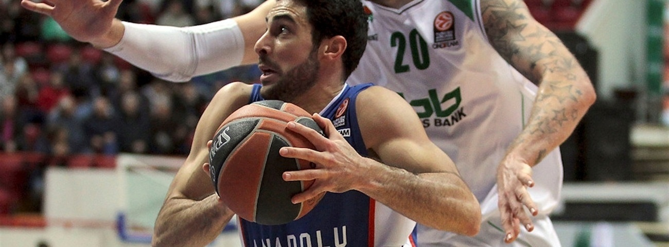 Anadolu Efes keeps team captain Balbay