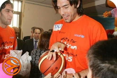 Luis Scola - UNICEF, united for children - FF Athens 2007
