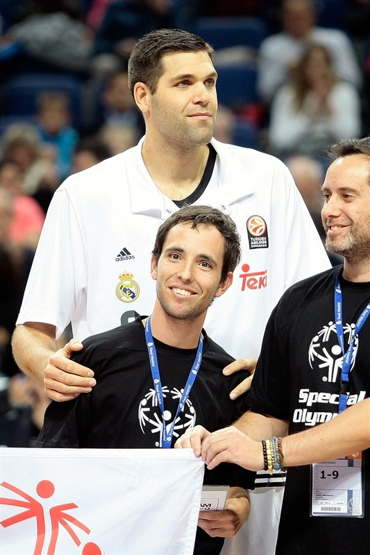 Felipe Reyes in suport Special Olympics - Real Madrid - EB14