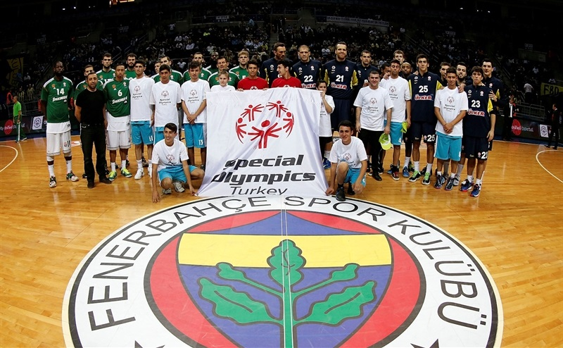 Special Olimpics in Istanbul, Fenerbahce Ulker vs. Panathinaikos Athens - One Team - EB14