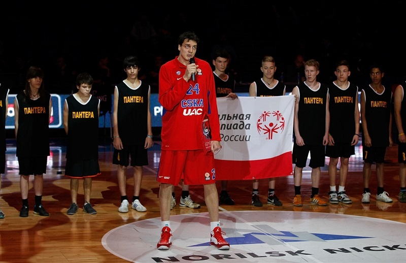 Sasha Kaun in Support Special Olympics in Moscow - One Team - EB14