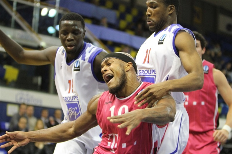 Eugene Lawrence - Telekom Baskets Bonn - EC14 (photo Paris Levallois)