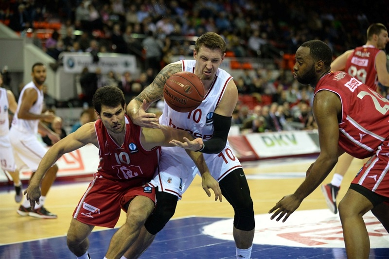Daniel Theis - Brose Baskets - EC14 (photo CAI Zaragoza - R. Comet)