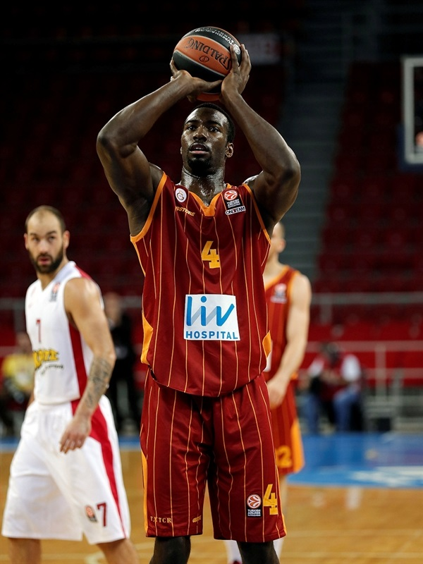 Patric Young - Galatasary Liv Hospital - EB14