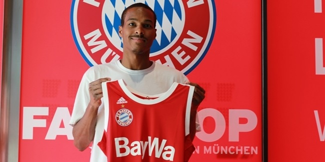 Bayern Munich signs Renfroe at guard