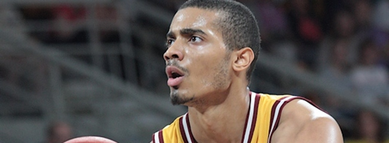 JSF Nanterre brings in big man Raposo