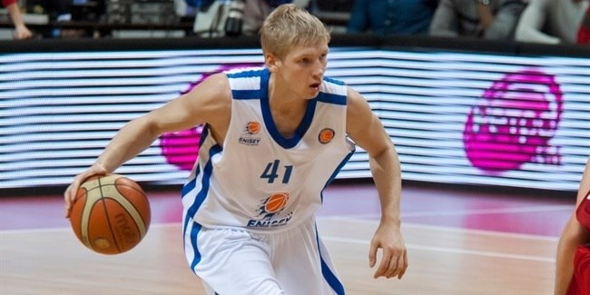 Khimki brings guard Zaytsev back home