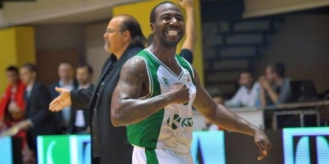 Avtodor Saratov tabs Armstead at point