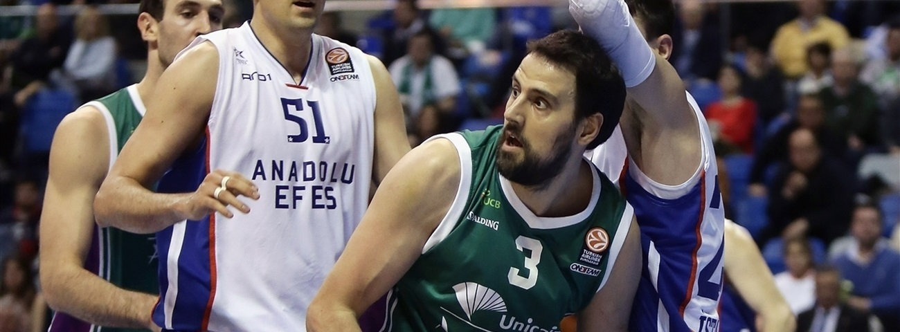 Unicaja re-signs homegrown big man Gabriel