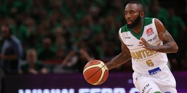 AEK signs point guard Warren
