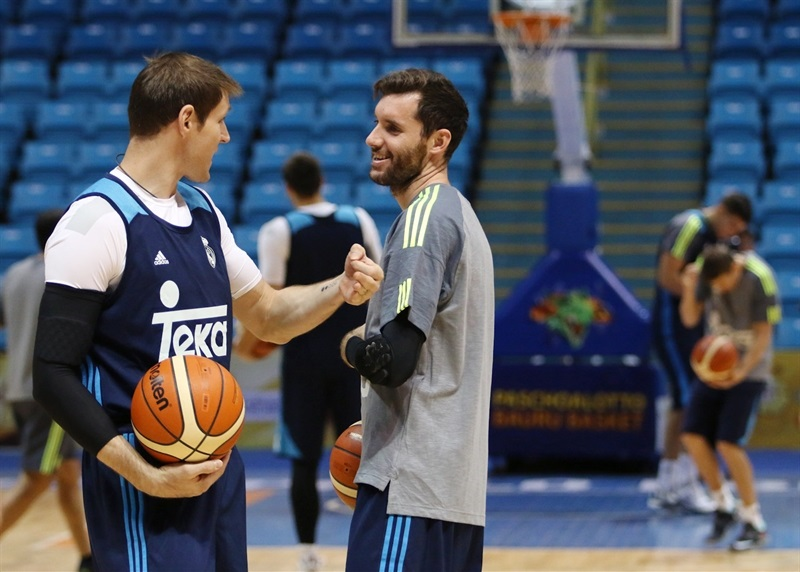Andres Nocioni and Rudy Fernandez - Real Madrid practices - Intercontinental Cup 2015 - EB15 (photo FIBA)