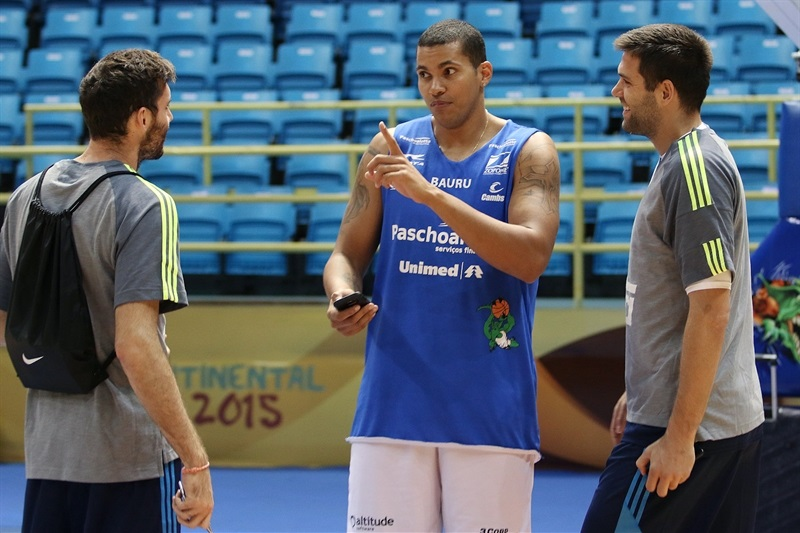 Rudy Fernandez and Felipe Reyes with Rafael Hettsheimer - Real Madrid practices - Intercontinental Cup 2015 - EB15 (photo FIBA)