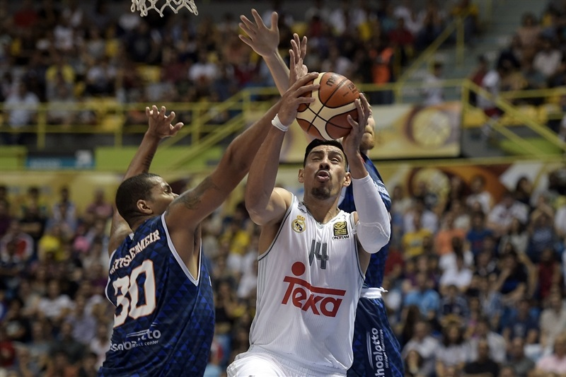 Gustavo Ayon, Real Madrid vs. Bauru - Intercontinental Cup 2015 (photo: Gaspar Nóbrega/FIBA Americas)