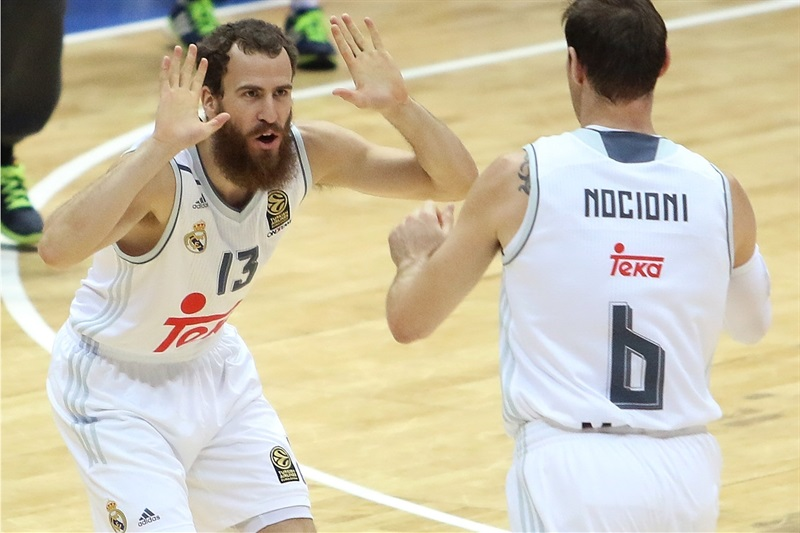 Sergio Rodriguez and Andres Nocioni - Real Madrid vs. Bauru, Game 2 - Intercontinental Cup 2015 - EB15  (photo José Jiménez Tirado - FIBA Americas)