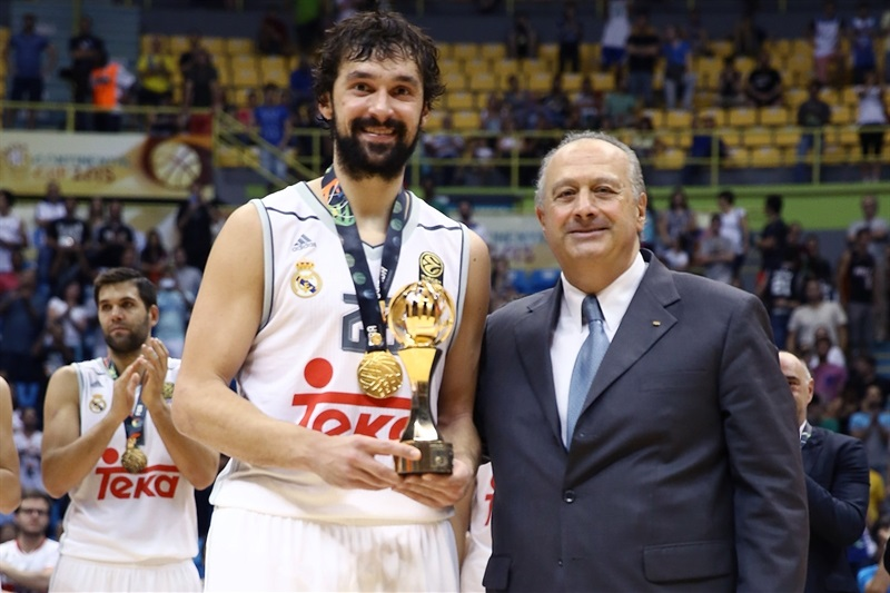 Sergio Llull MVP - Real Madrid vs. Bauru, Game 2 - Intercontinental Cup 2015 - EB15  (photo José Jiménez Tirado - FIBA Americas)