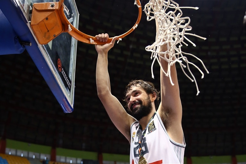 Sergio Llull celebrates - Real Madrid vs. Bauru, Game 2 - Intercontinental Cup 2015 - EB15  (photo José Jiménez Tirado - FIBA Americas)