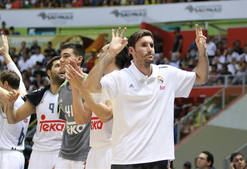 Rudy Fernandez celebrates - Real Madrid vs. Bauru, Game 2 - Intercontinental Cup 2015 - EB15  (photo José Jiménez Tirado - FIBA Americas)