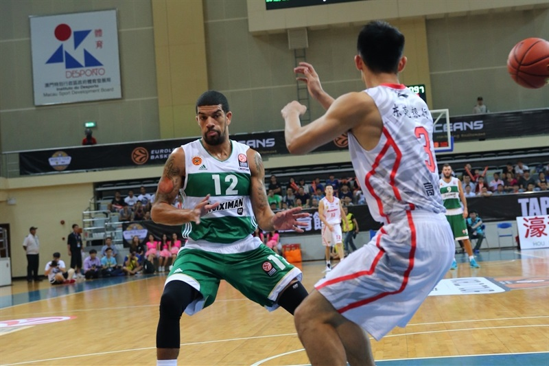 James Feldeine - Panathinaikos Athens vs. Guangdong Tigers - World Tour 2015 - EB15