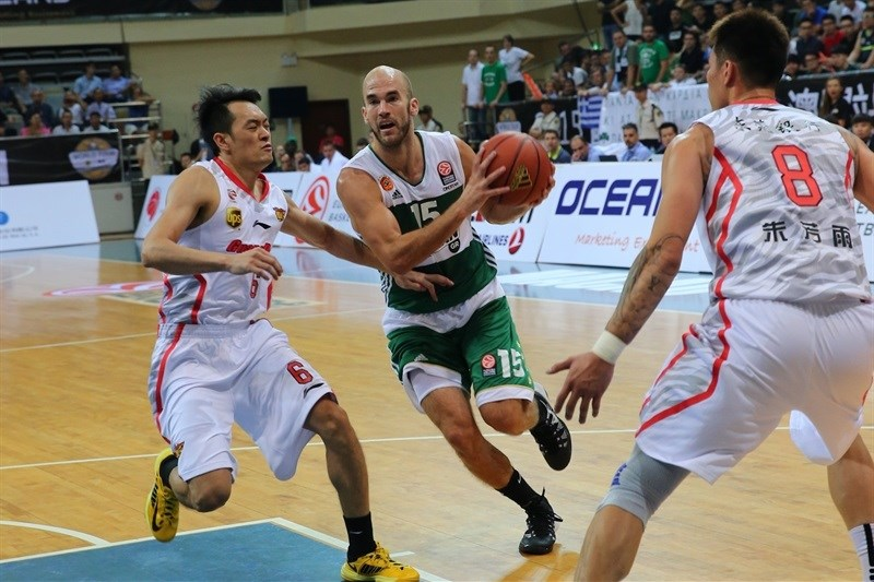 Nick Calathes - Panathinaikos Athens vs. Guangdong Tigers - World Tour 2015 - EB15