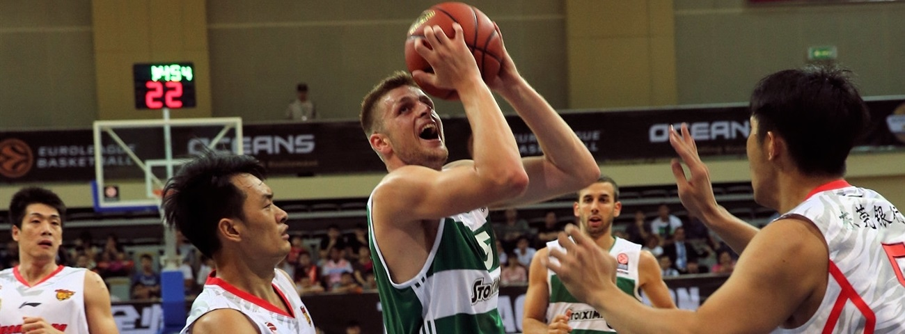 Panathinaikos, Charalampopoulos together until 2024