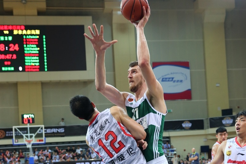 Ognjen Kuzmic - Panathinaikos Athens vs. Guangdong Tigers - World Tour 2015 - EB15