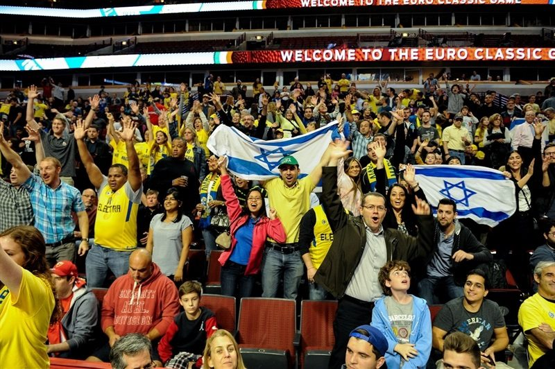 Fans in Chicago - Maccabi FOX Tel Aviv vs. Olimpia Milan in Chicago - World Tour USA 2015 - EB15 (photo Maccabi)
