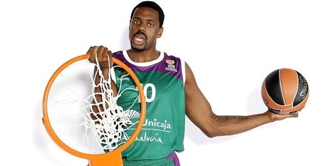 Valencia adds power forward Thomas