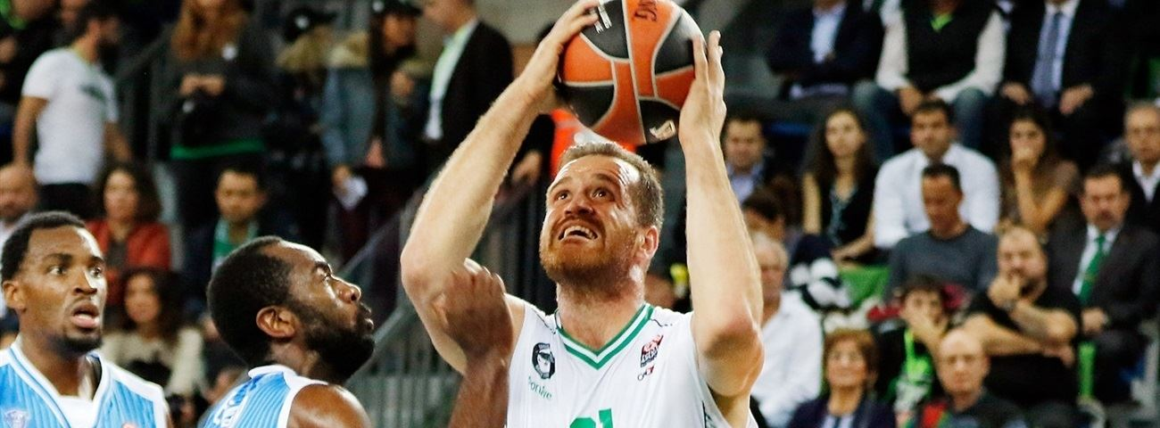 Darussafaka brings back veteran center Savas