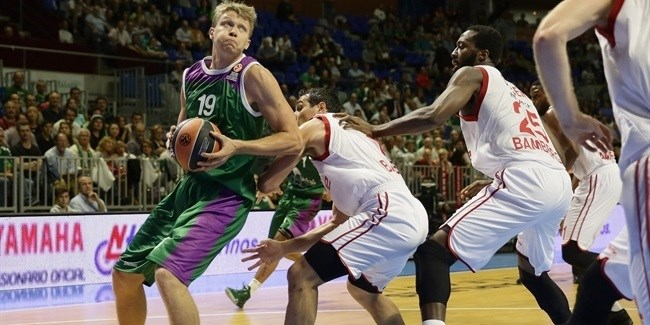 Regular Season, Round 1: Unicaja Malaga vs. Brose Basket Bamberg