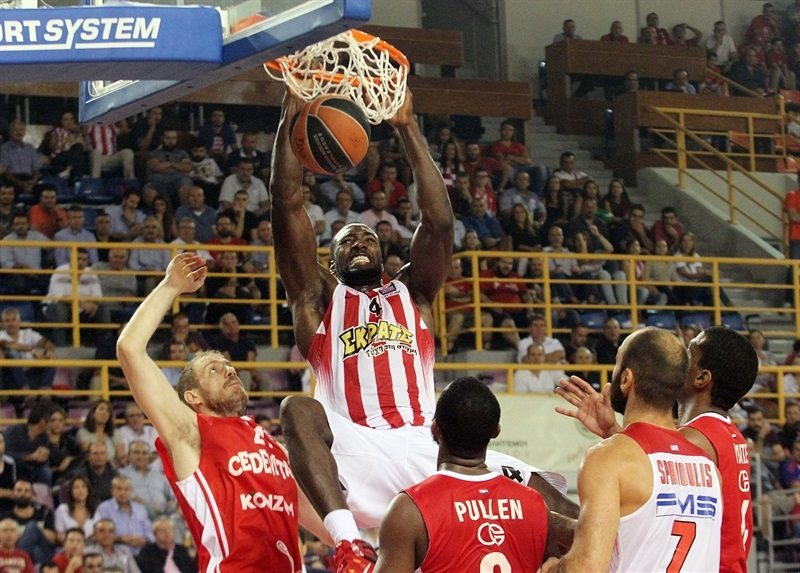 Patric Young - Olympiacos Piraeus - EB15