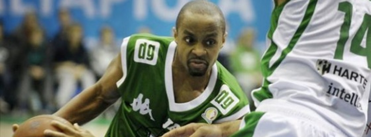 Nancy signs point guard Curry short term