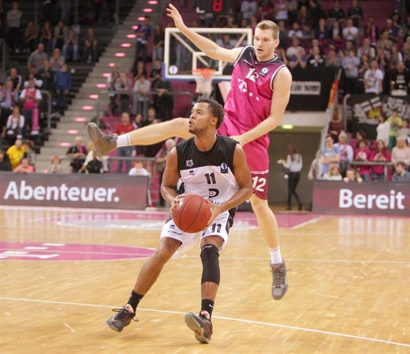 Clevin Hannah - Dominion Bilbao Basket - EC 15 (photo Jörn Wolter - Telekom Baskets Bonn)