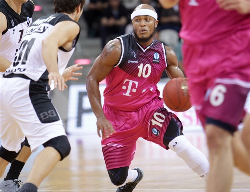Eugene Lawrence - Telekom Baskets Bonn - EC 15 (photo Jörn Wolter - Telekom Baskets Bonn)
