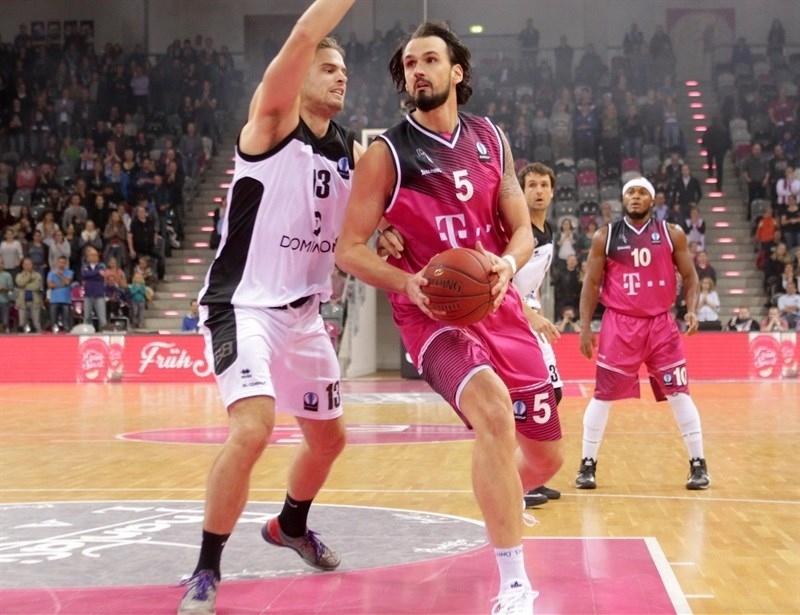 Dirk Madrich - Telekom Baskets Bonn - EC 15 (photo Jörn Wolter - Telekom Baskets Bonn)