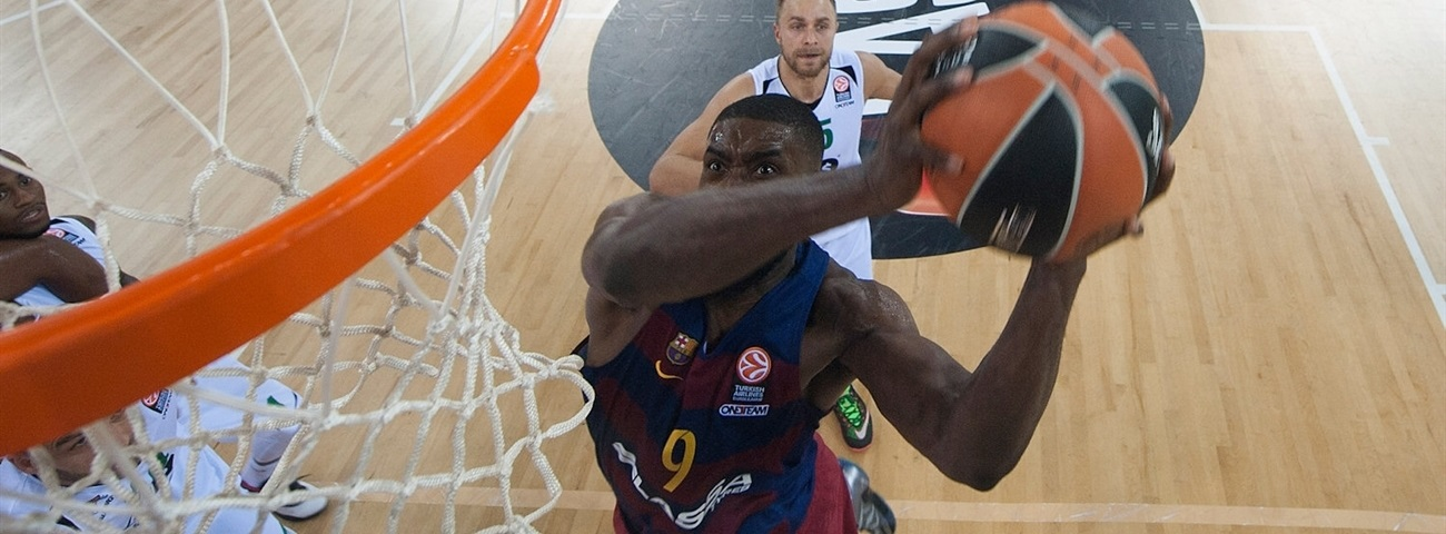 Barcelona center Lawal out 3 months with torn meniscus