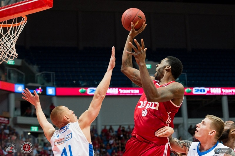 Donta Smith - Hapoel Bank Yahav Jerusalem - EC15 (photo Hapoel Jerusalem - Dor Ketmi)