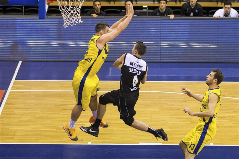 Dairis Bertans - Dominion Bilbao Basket - EC15 (photo EWE - Ulf Duda - fotoduda.de)